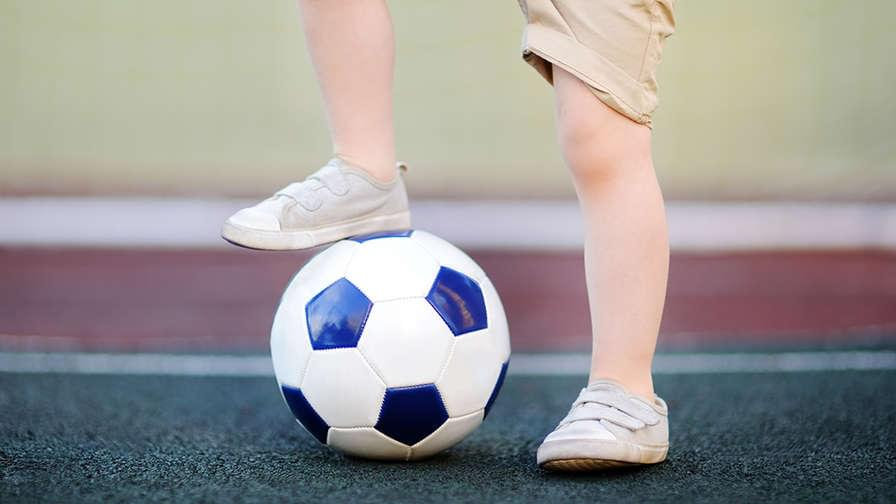 Dont Let Kids Play Football >> Let Them Play 6 Reasons Why Preschoolers Don T Need Extra